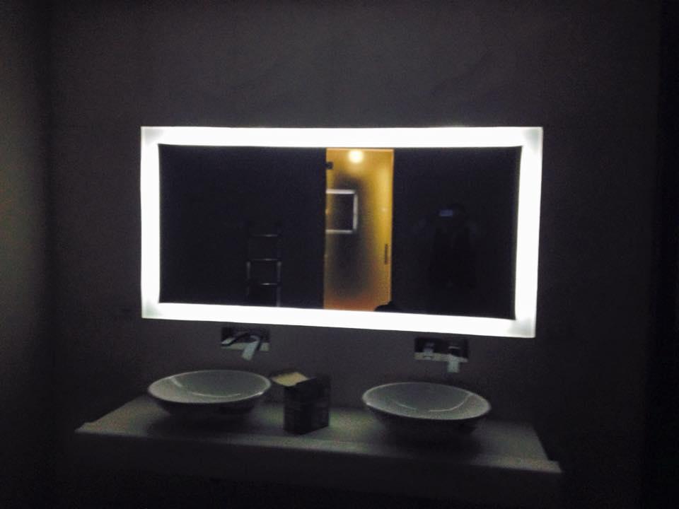 Specchio bagno incassato trendy a led specchio da bagno xcm with specchio bagno incassato - Specchio ovale ikea ...